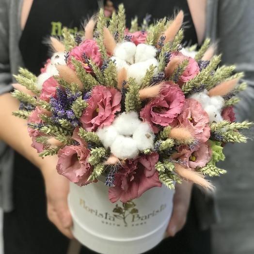 Композиция в шляпной коробке в хлопком и колосьями пшеницы: букеты цветов на заказ Flowwow