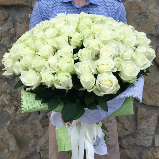 101 white rose with a height of 80 cm