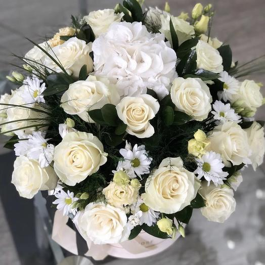 Шляпная коробка Нежность: букеты цветов на заказ Flowwow