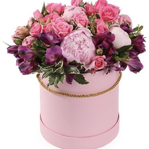 """Красивые цветы в коробке """"Виктория"""""""