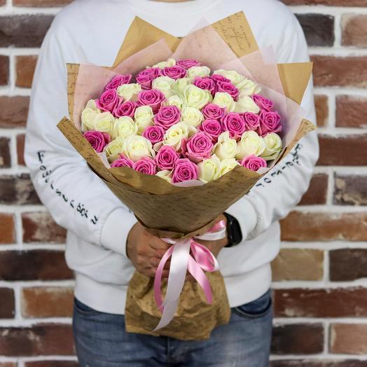 Букет из 51 белой и розовой розы (50 см). N900