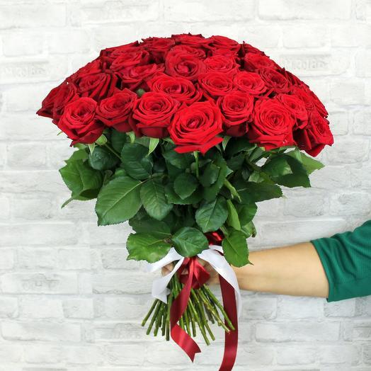Романтичный букет из 51 красной розы