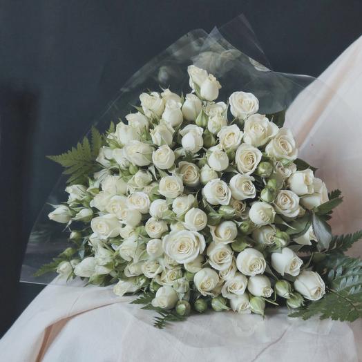 Шикарный букет из белых роз