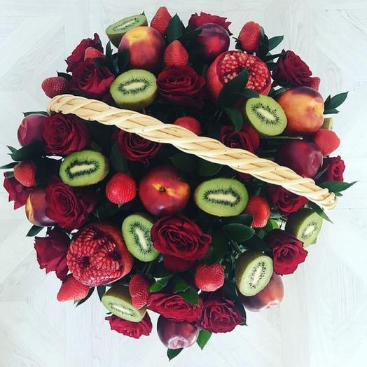Fruit and berry basket