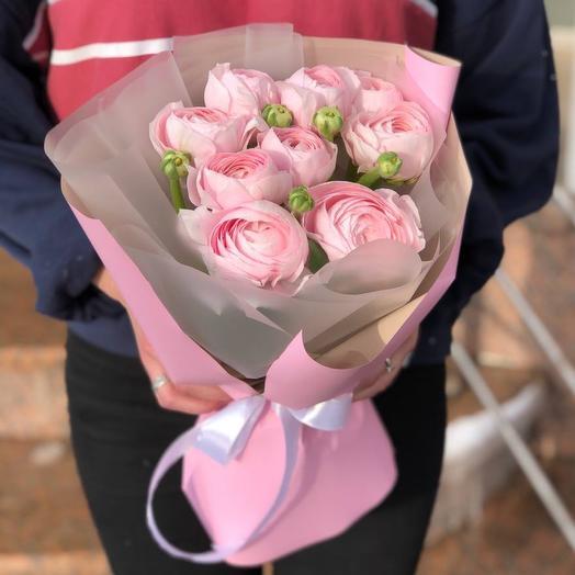 Моно розовые ранункулюсы