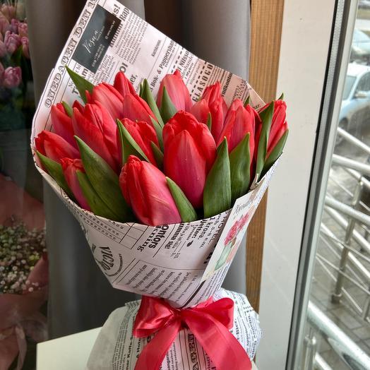 Букет тюльпанов с огромным бутоном