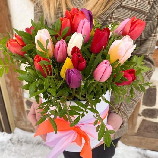 Цветы в коробке «Счастье в руках