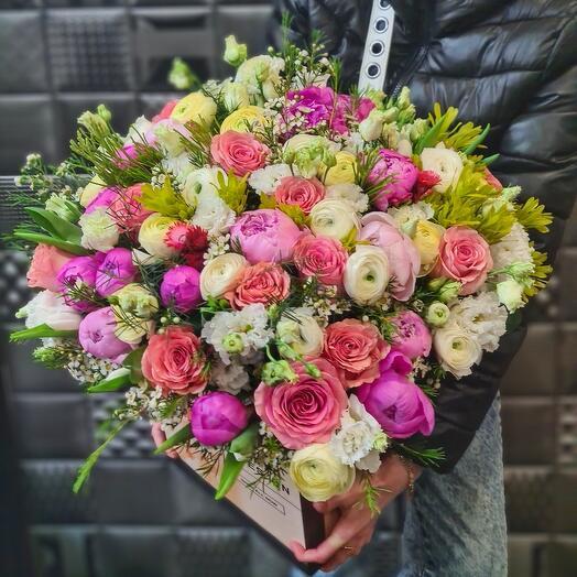 Цветы в коробке Необычные цвета