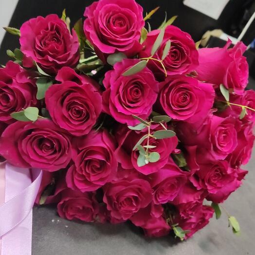 Крупная Роза с зеленью 60