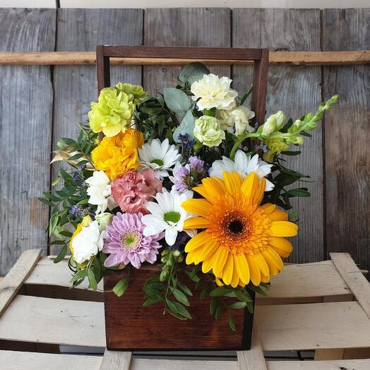"""Ящик с цветами """"Луч солнца золотого..."""""""