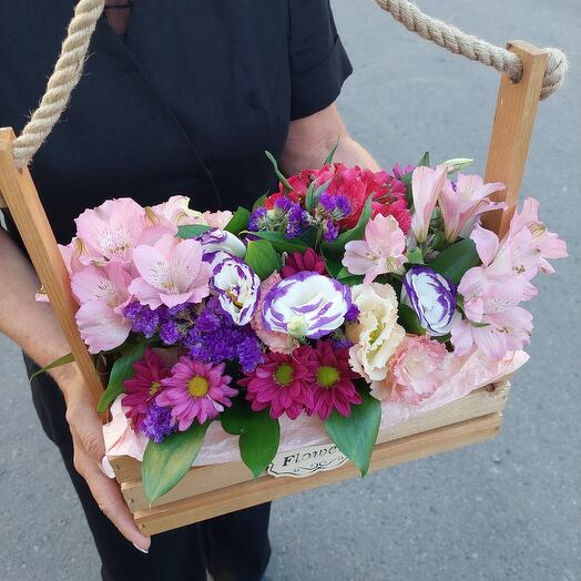 Яшичек с цветами