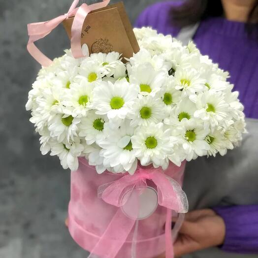 Шляпная коробка с хризантемой