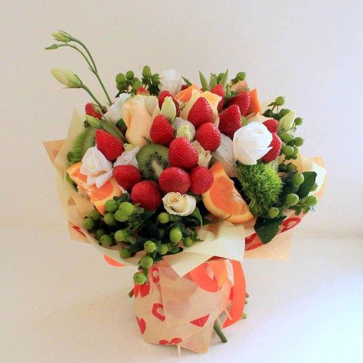 Букет с фруктами: букеты цветов на заказ Flowwow