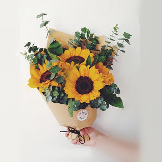 Подсолнухи в крафте: букеты цветов на заказ Flowwow