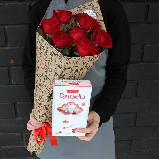 Розы и рафаэлло: букеты цветов на заказ Flowwow