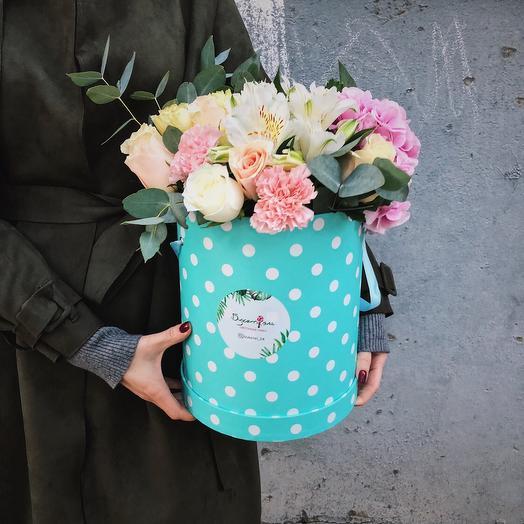 "ШЛЯПНАЯ КОРОБКА ""МЯТНЫЙ ГОРОШЕК"": букеты цветов на заказ Flowwow"