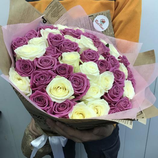 Букет из 51 бело-розой розы: букеты цветов на заказ Flowwow