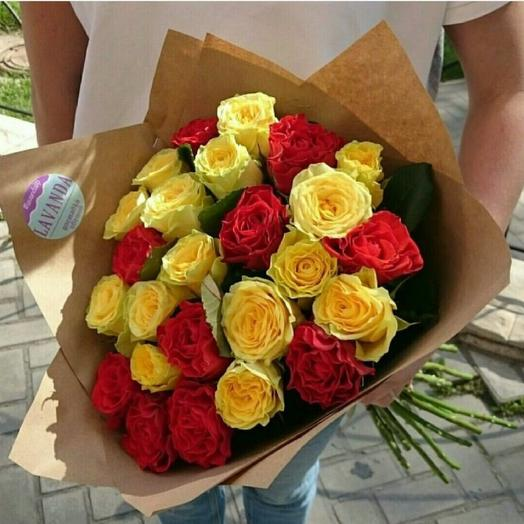 Букет из 25 ярких роз: букеты цветов на заказ Flowwow