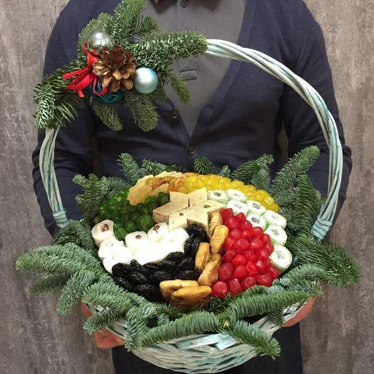 Зимняя корзина сухофруктов: букеты цветов на заказ Flowwow