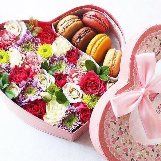 Коробочка «Макрони»: букеты цветов на заказ Flowwow