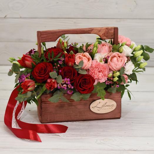 Ящик Альфа Ромео: букеты цветов на заказ Flowwow