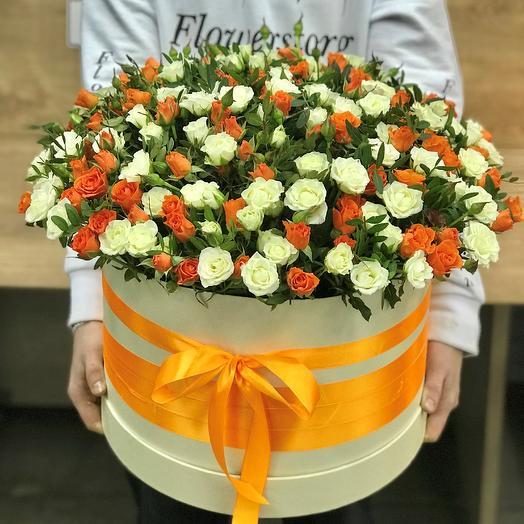 Коробка XXL из 101 кустовой розы (микс). N383: букеты цветов на заказ Flowwow