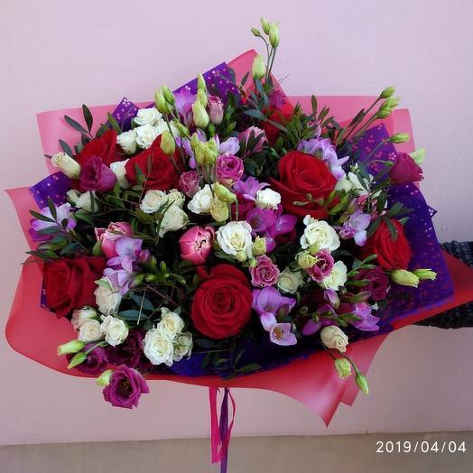 Семь семионов: букеты цветов на заказ Flowwow