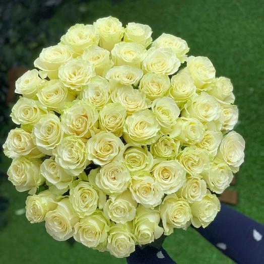51белая роза: букеты цветов на заказ Flowwow