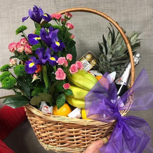 """Корзина """"Первое свидание"""": букеты цветов на заказ Flowwow"""