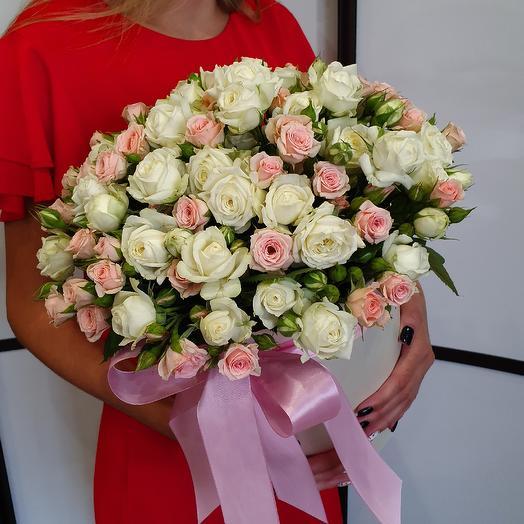 Коробка из кустовых роз: букеты цветов на заказ Flowwow
