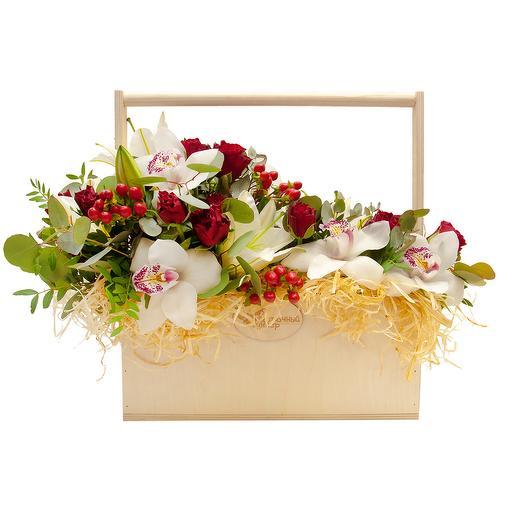 """Композиция с цветами """"Вечная классика"""": букеты цветов на заказ Flowwow"""