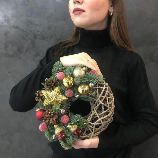 "Венок "" Снежная ягода"": букеты цветов на заказ Flowwow"