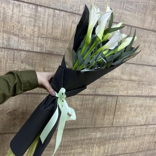 Белоснежные стильные Каллы: букеты цветов на заказ Flowwow