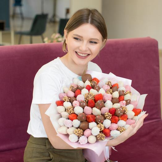 """Букет из клубники в шоколаде """"Empress"""": букеты цветов на заказ Flowwow"""