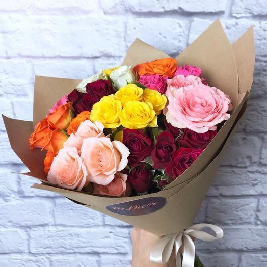 11 разноцветных кустовых роз 40 см
