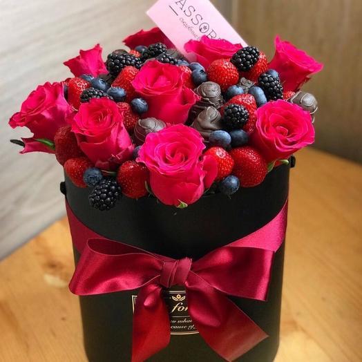 Клубничная коробка «Подарок»