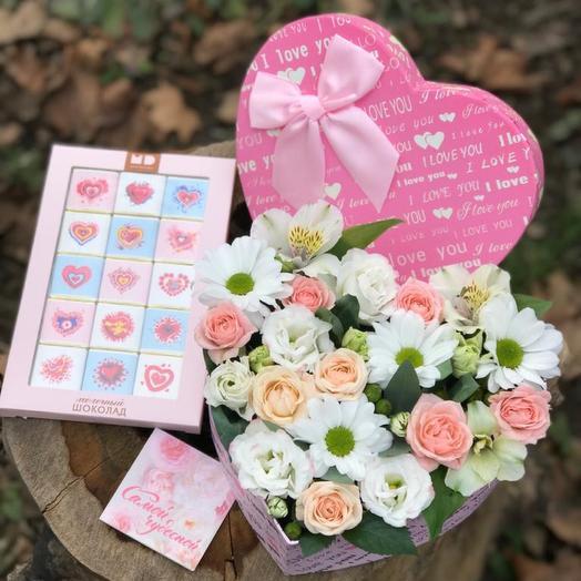 Цветы со сладостями для любимой
