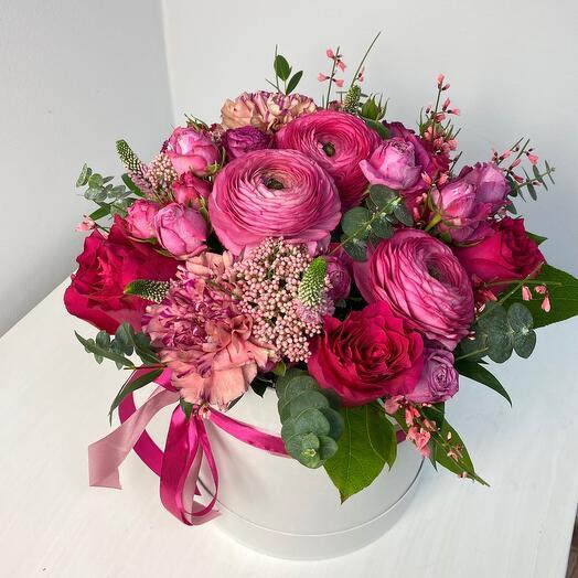 Цветы в коробке размер L