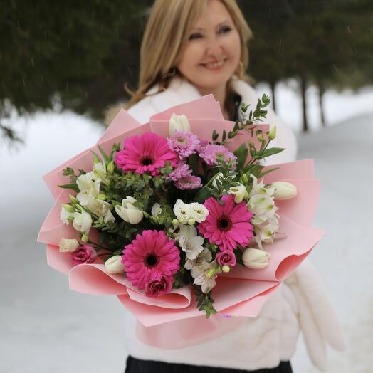 Букет Гербер Аква, Альстромерий и Тюльпанов