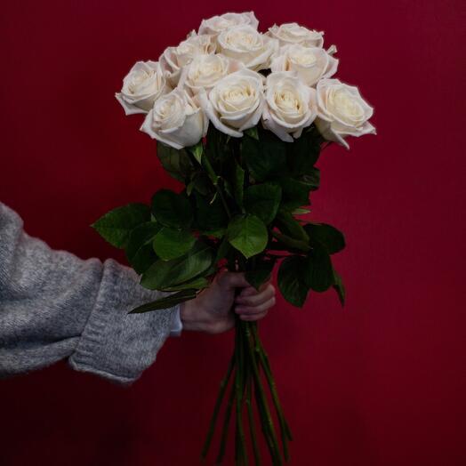 Акция! Белые розы 60 см Эквадор