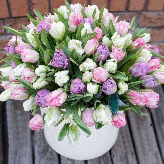 Объятия тюльпанов: букеты цветов на заказ Flowwow