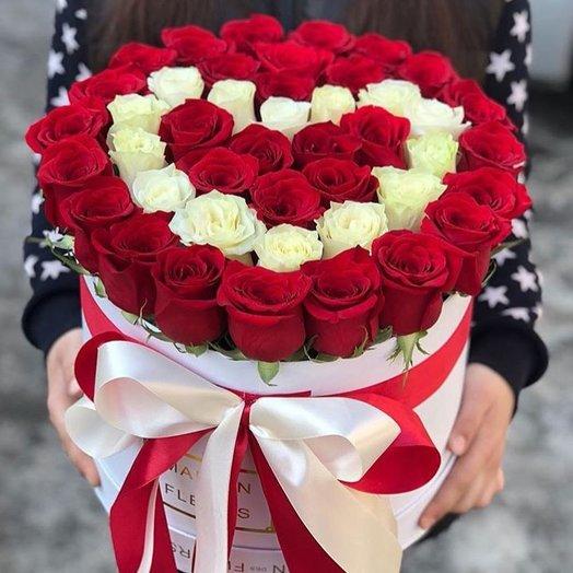 Шляпная коробочка Люблю: букеты цветов на заказ Flowwow