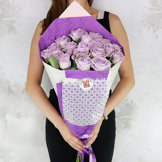 Букет из 19 сиреневых роз