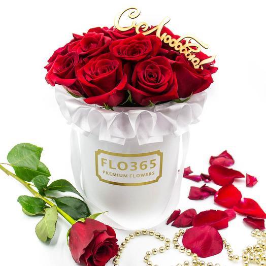 Вайт Блоссом (15 красных роз в коробке): букеты цветов на заказ Flowwow