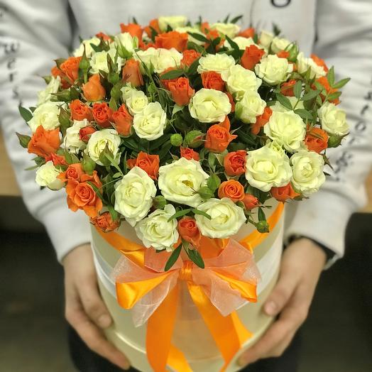 Коробки с цветами. Кустовые розы. N81: букеты цветов на заказ Flowwow