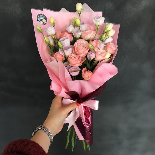 Розы и эустома: букеты цветов на заказ Flowwow