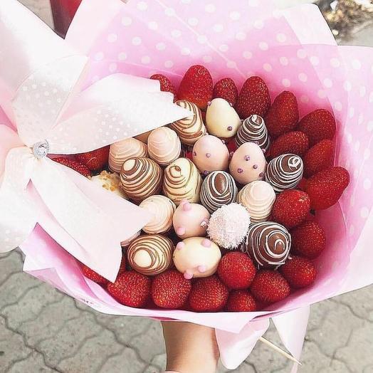 """Клубничный букет """"Pink Bow"""": букеты цветов на заказ Flowwow"""
