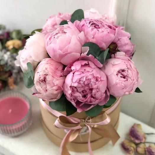 Коробочка с пионами S 0561: букеты цветов на заказ Flowwow