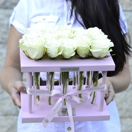 Розы и стекло: букеты цветов на заказ Flowwow