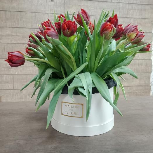 Пионовидные тюльпанчики в шляпной коробке: букеты цветов на заказ Flowwow